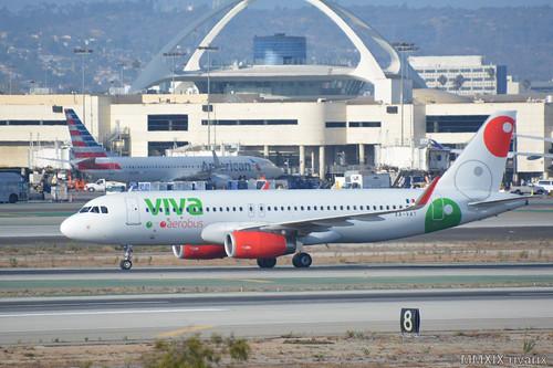 LAX - VivaAerobús (XA-VAT)