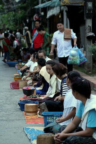 Van Ork Phansa monk procession alms giving