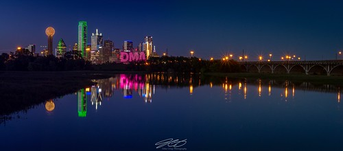 Pano of Dallas Texas and a flooded Trinity river