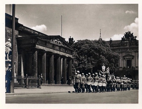 Berlin, Germany, Ehrenmal, Guard, Tomb of the Unknown Soldier, 1930s