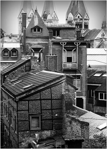 Maisons et église, sur les hauteurs de l'impasse Hechelet, Spa, Belgium