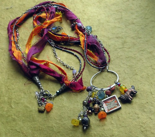sari silk savannah necklace