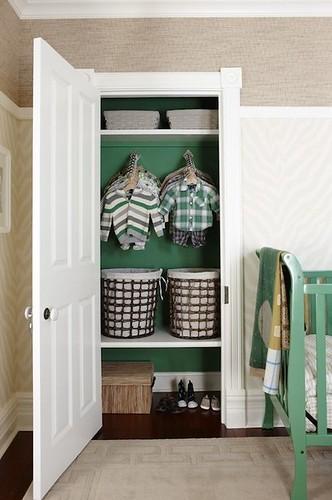 Suzie: Sarah Richardson Design – Kelly green painted closet, Thibaut Designs Eto…