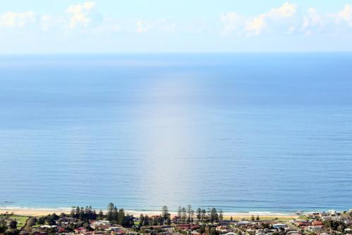 Tasman Sea (South Pacific Ocean), Wollongong lookout. Princes highway. Thirroul