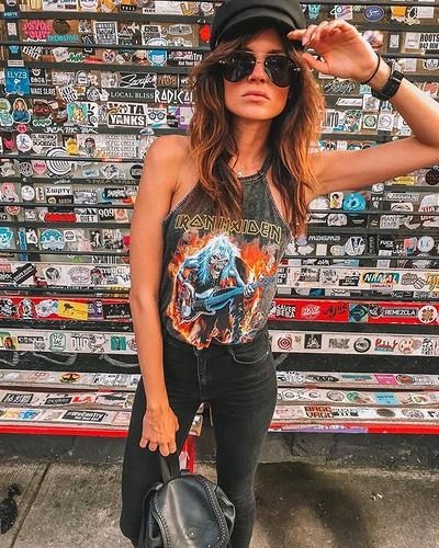 📷 @pure.soraya • • • M U S I C I S M Y R E L I G I O N . . . . . #trendingplaces #musicislife #cdmx #rockchick #rocknrolla #nojudgement #portuguesemodel #mexicocity #femalemodel #fashionista #fashionblog #internationalmodel #travelbug #wanderluster