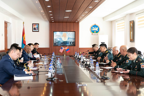 Mongolian Armed Forces chief of general staff welcomes PACAF CC at the command headquarters