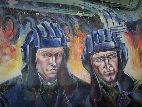 Panzersoldaten der Sowjetarmee. Wandbild in Krampnitz, DDR / Танкисты Советской Армии. Фреска в Крампнице, ГДР