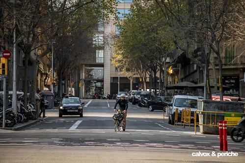 Marc Beltrán al carrer Bruc amb Diagonal on gairebé cada dia va a treballar per la calçada, espai que reivindica també pels ciclistes  - Retrat ciclista a Marc Beltrán Sastre