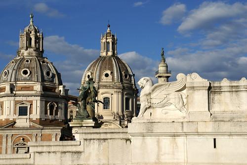 Rom, Piazza Venezia, Vittoriano, Madonna di Loreto und SS. Nome di Maria