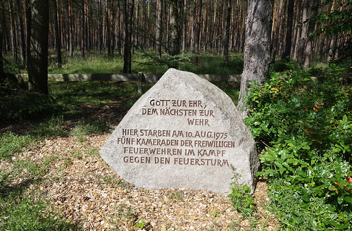 Gedenkstätte Heidebrandopfer 1975 (Memorial at the spot where five firemen were killed)