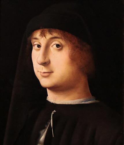 Antonello da Messina (Antonio di Giovanni de Antonio - Messina, 1430 – Messina, febbraio 1479) - Ritratto di Giovane  (1474) tempera e olio su tavola di noce - Dimensioni 31,5×26,7 cm Philadelphia Museum of Art
