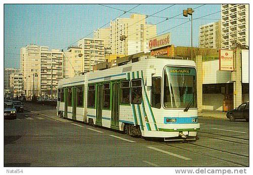 42 - Saint-Etienne -quartier de BERGSON stas  Motrice Vevey-Alsthom, série 901-915 -