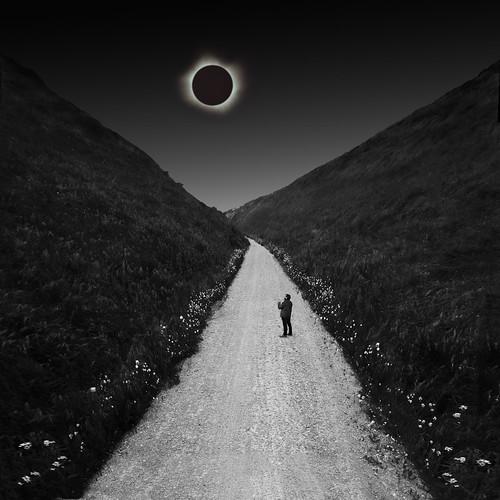 Eclipse y renacimiento. / Eclipse and rebirth.
