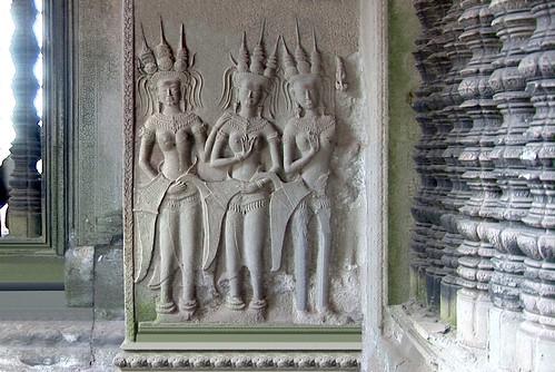 Cambodia - Temples Of Angkor - Angkor Wat - Devatas - 380