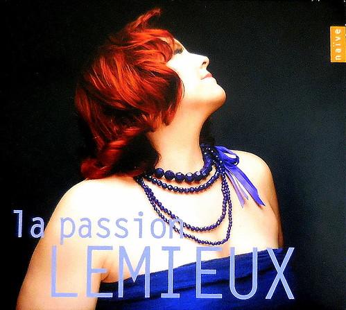 DSCN1771. Marie-Nicole LEMIEUX.   naïve 2013.