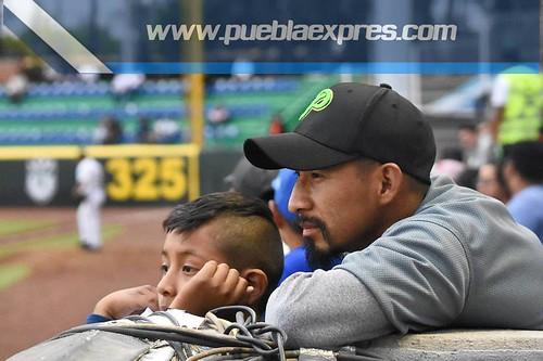MVF_0318 [Temporada Primavera 2019] Juego 2 | Pericos de Puebla vs Bravos de León | Liga Mexicana de Béisbol | Fotografías @MaraGlez_BTR / @Mv_ManuelVela para Mv Fotografía Profesional / Edición y retoque www.pueblaexpres.com