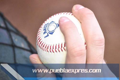 MVF_0164 [Temporada Primavera 2019] Juego 2 | Pericos de Puebla vs Bravos de León | Liga Mexicana de Béisbol | Fotografías @MaraGlez_BTR / @Mv_ManuelVela para Mv Fotografía Profesional / Edición y retoque www.pueblaexpres.com