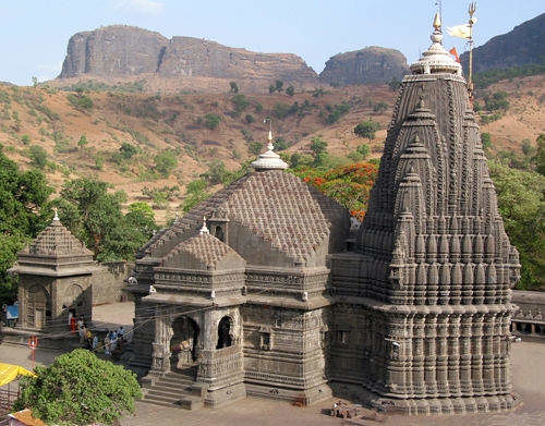 trimbakeshwar-shiva-temple-trimbakeshwar-nashik-temples-1zrv78e