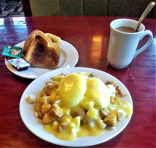 Poutine Lachance; toast, coffee