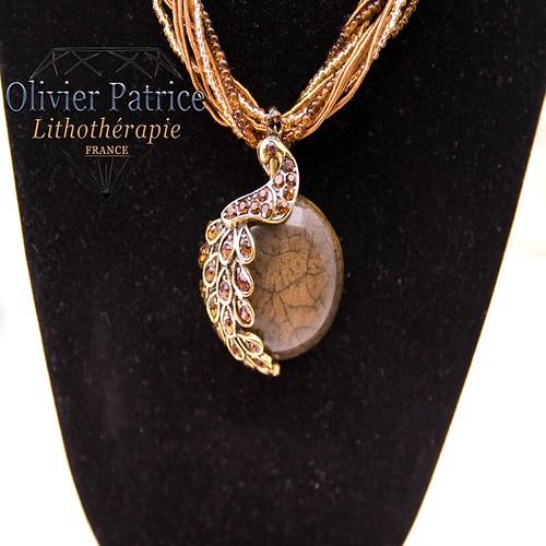 Pendentif opale marron paon en alliage