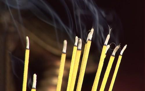 Vietnam - Hoi An - Vu Lan Thang Hoi Temple - Incense - 4