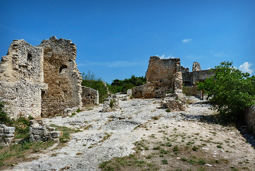 Château de Saint Saturnin les Apt I