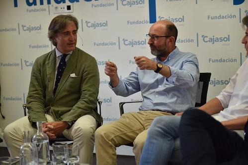 Charla-coloquio 'Otra mirada sobre el fútbol' en Cádiz (8)