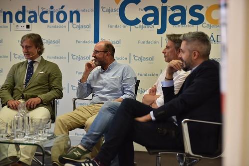 Charla-coloquio 'Otra mirada sobre el fútbol' en Cádiz (12)