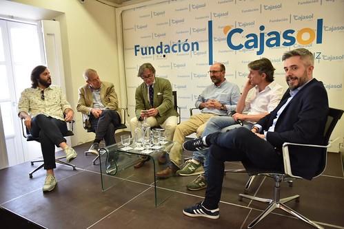 Charla-coloquio 'Otra mirada sobre el fútbol' en Cádiz (11)
