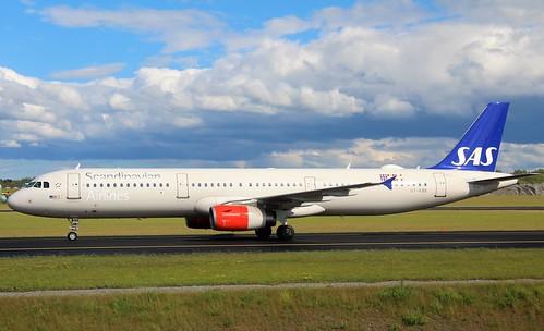OY-KBK Airbus A321-232, SAS Scandinavian Airlines, Stockholm/Arlanda ESSA