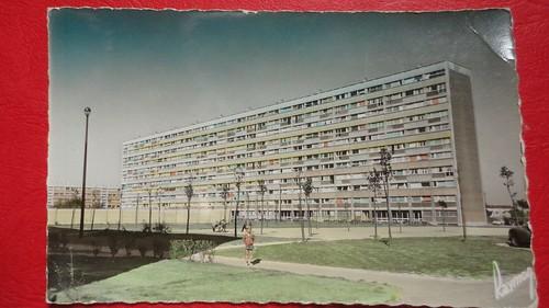 93 BONDY Immeuble Rue A. Bianqui - La grande barre d'habitation HLM