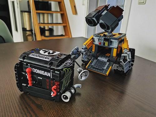 Wall-E vs the hoonibox