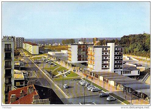 52 SAINT DIZIER LE NEUF @ la Vue Générale ( HLM Cité Résidence Immeubles Modernes ) en Haute Marne