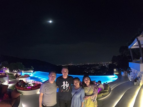 Fantastic 4 for Taiwan、British、Thai and Japan. Chill dinner and relaxing conversation. Can't wait to visit Bangkok and  Ho Chi Minh for you guys A.S.A.P.