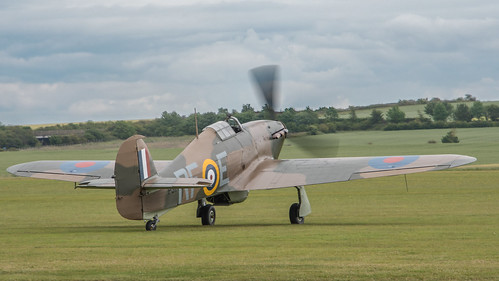 Hawker-Canadian Car Foundary Hurricane, Mk.Xll, RCAF 5711, G-HURI, RCAF 5711, Flies as P3700, RF-E, RAF No.303 (