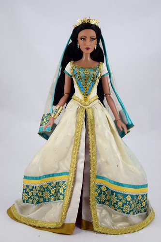 2019 Live Action Jasmine and Aladdin Limited Edition Doll Set - Disney Store UK Purchase - Jasmine Deboxed