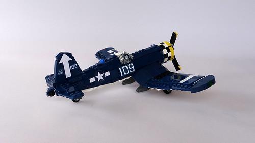 F4U Corsair 1