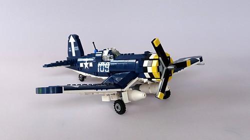 F4U Corsair 2