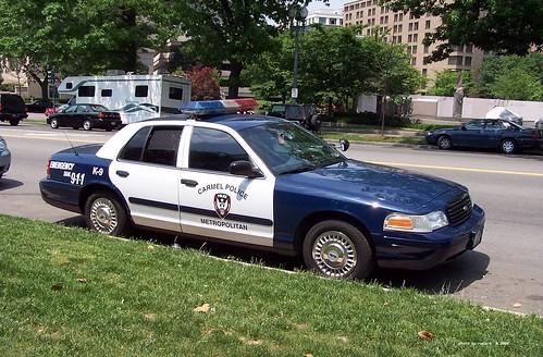 Carmel IN Police - 1999 Ford Crown Victoria - K-9 unit - (2004 photo) 2