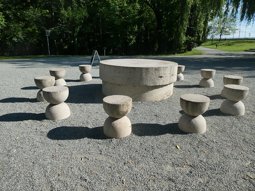 The Table of Silence, Tagu Jiu