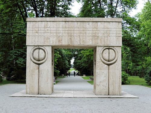 Targu jiu: Poarta sărutului