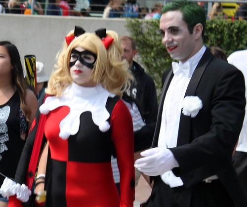 2017-Fans Dressed Up as Harley Quinn & The Joker Outside SDCC-02