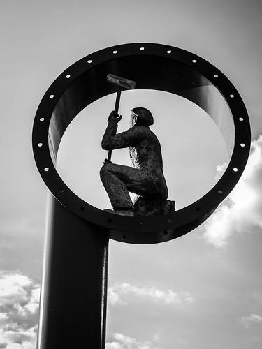 006 Shipbuilding Memorial, The Keel, River Mersey Promenade, Liverpool-2