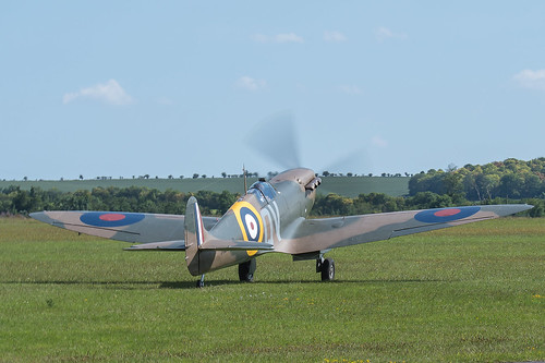 Supermarine Spitfire F.Mk la, G-CFGJ, N3200, No 19 Squadron,