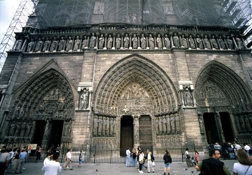 1995-08-13 Parigi - Notre Dame 02