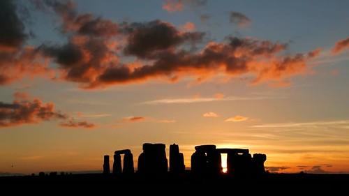 silhouette-of-stonehenge-at-sunset