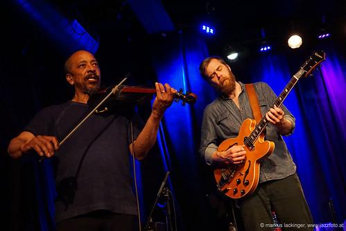 Charly Burnham: violin, vocals / Thor Jensen: vocals, banjo, guitar