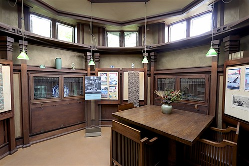 The Octagonal Library