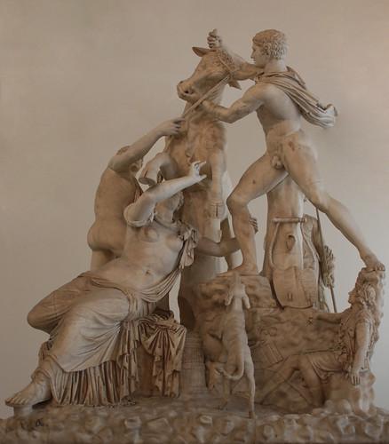 Toro Farnese o Supplizio di Dirce - III secolo d.C.  (da otiginale della fine del II sec a. C.) - dimensioni 370×295×300 cm - MANN - Museo Archeologico Nazionele di Napoli
