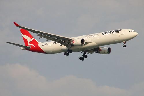 Qantas_VH-QPD